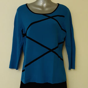 Cable & Gauge Blue and Black 3/4 Sleeved Sweater